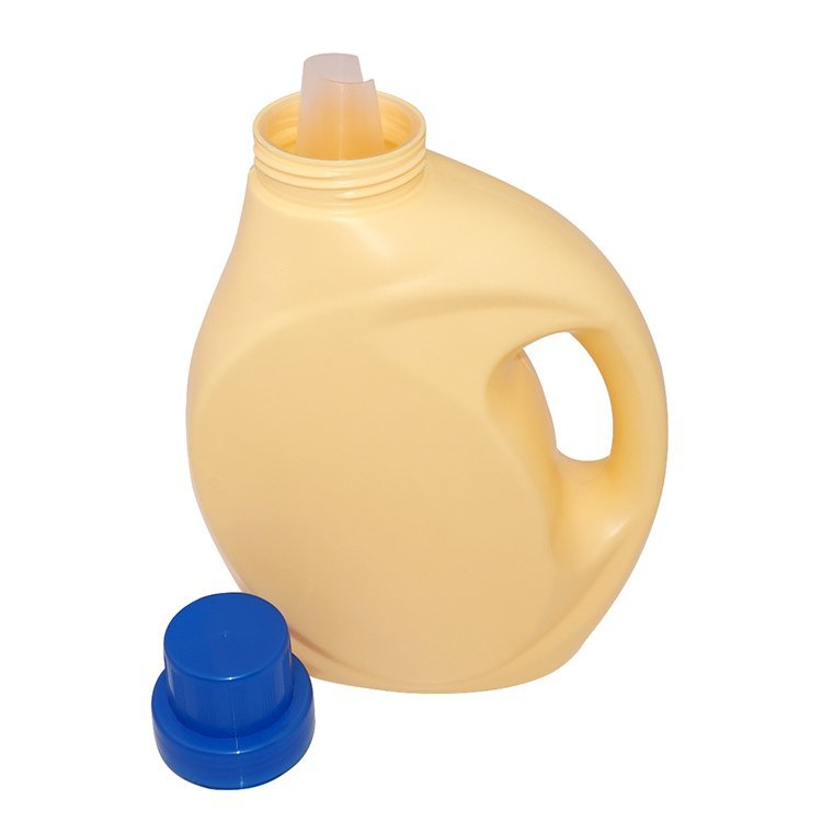 Factory price 2000ml light yellow PE plastic laundry bottle wholesale with screw cap
