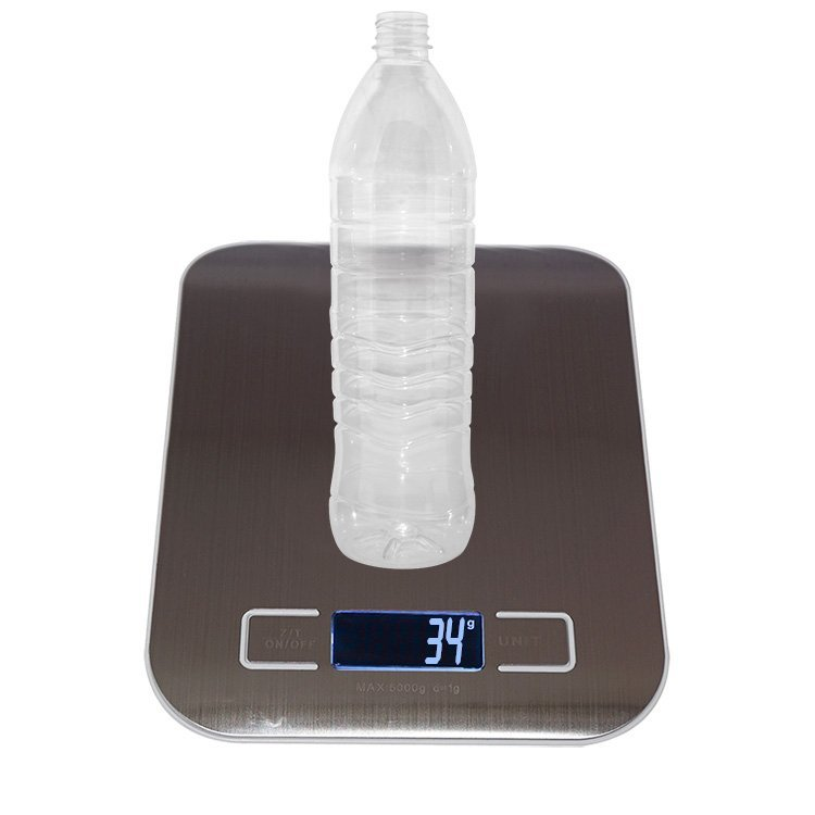 Hot selling 500ml 1200ml Empty transparent round plastic drinking bottle PET water bottles supplier