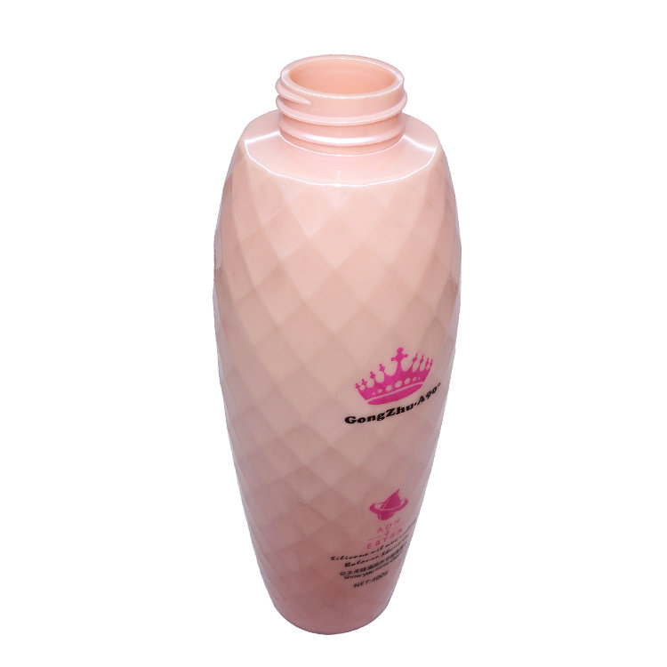 New wholesale price 450ml pink unique shape PET plastic shampoo bottle with lotion pump